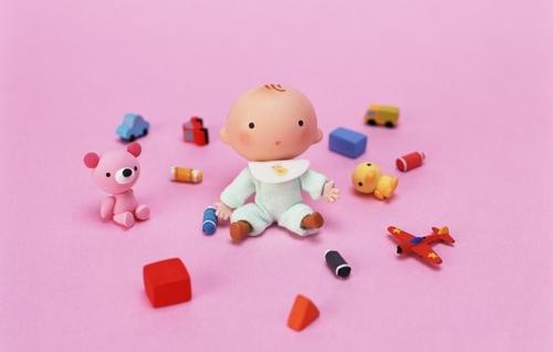 Почему девочки играют в куклы, а мальчики - в машинки?