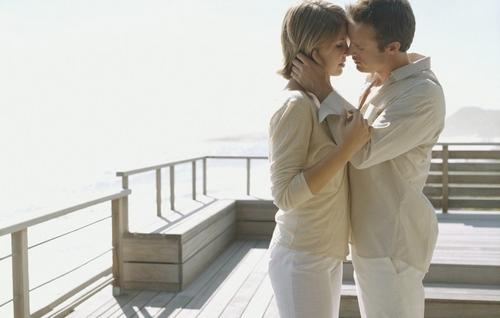 Почему мы вспоминаем свою первую любовь
