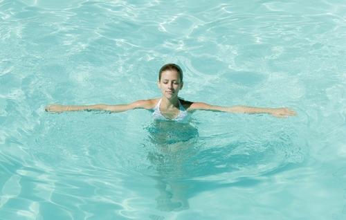 Почему нужно записаться на плавание