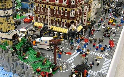 Как построить городок из конструктора Лего