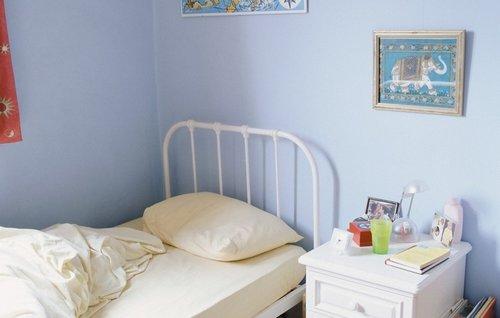 Правильно ставим кровать в спальне