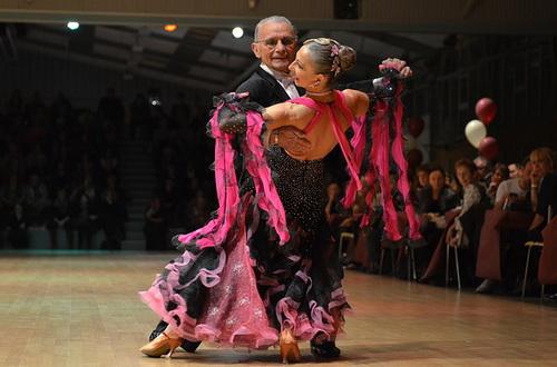 uroki-tancev-dlya-vsex-zhelayushhix