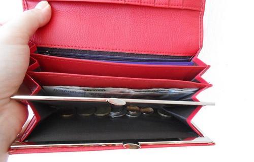 Красный кошелек по фен-шуй